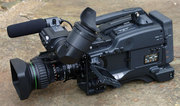 Продам профессиональную видеокамеру Sony DSR 400P