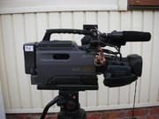 Продам Профессиональная видеокамера Sony DSR-250P б/у