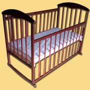 Продам кроватку детскую  с защитой