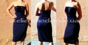 Женственное платье насыщенного темно-синего цвета