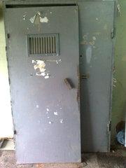 Продам подъездные железные двери б/у