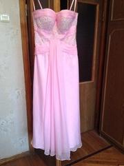 Очень красивое платье нежно - розового цвета
