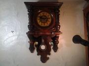 Продам старинные,  настенные часы.