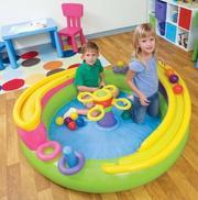 Недорого продам надувной игровой центр (Intex),  для детей 2-6 лет