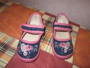продам сандалии на девочку Валди 22р.
