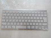 Беспроводная клавиатура Apple (MC184)