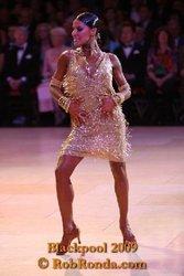 Золотое платье латина