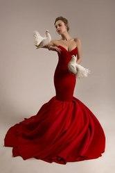Индивидуальный пошив женской одежды.