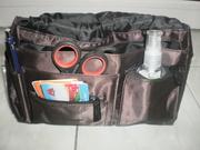 Очень удобная сумочка-органайзер, множество кармашков и отделений.14 шт