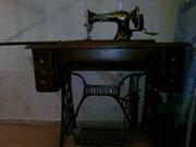 Продам старинную швейную машинку Singer