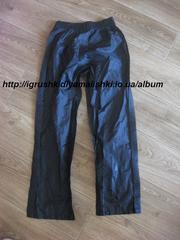 отличные штаны непромокайки-непродувайки примерно на 8 лет
