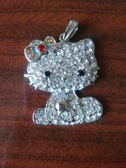 Hello Kitty. Сверкающее украшение для маленькой принцессы