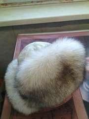 Кожанная белая шапка, мех -песец
