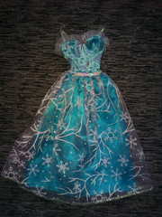 красивое платье для куклы больше барби