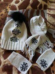 Продам набор (Шапка, шарф, перчатки)