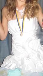 Белое выпускное (вечернее) платье
