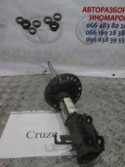 Стойка передняя,  левая на Chevrolet Cruze (J300) 13331988