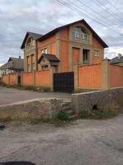 Два новых дома на одном участке в Харькове дешево