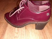 Продам женские ботинки весна осень