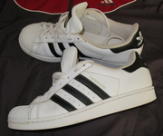 Продам легендарные кроссовки ADIDAS SUPERSTAR оригинальные 100 %, 42-43
